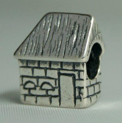 Texel Bedels Texel Boet, Texel Bedel. TB 25 Zilveren bedels van Texel. Eigen ontwerpen van atelier texel, Brammetje Texel ©. Onze bedels passen op pandora en alle andere merken armbanden en kettingen. Gemaakt van eerste gehalte zilver met zilverkeurmerk.