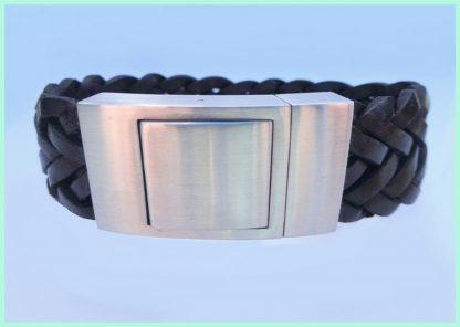 Brede gevlochten leren armbanden van Atelier Texel