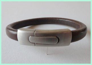 Leren armband donkerbruin atelier texel